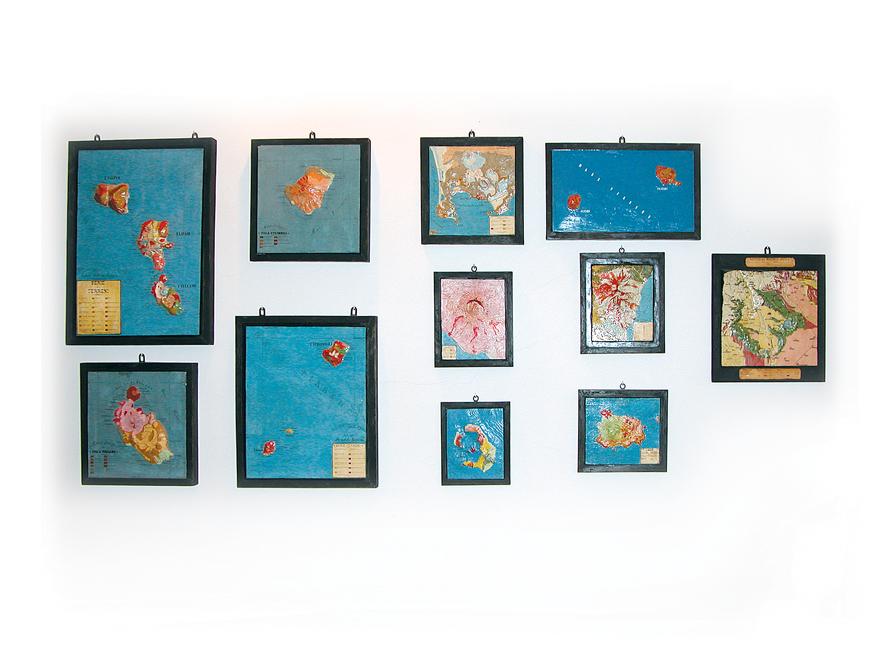 Raccolta di plastici geologici topografici a colori, di fattura ottocentesca